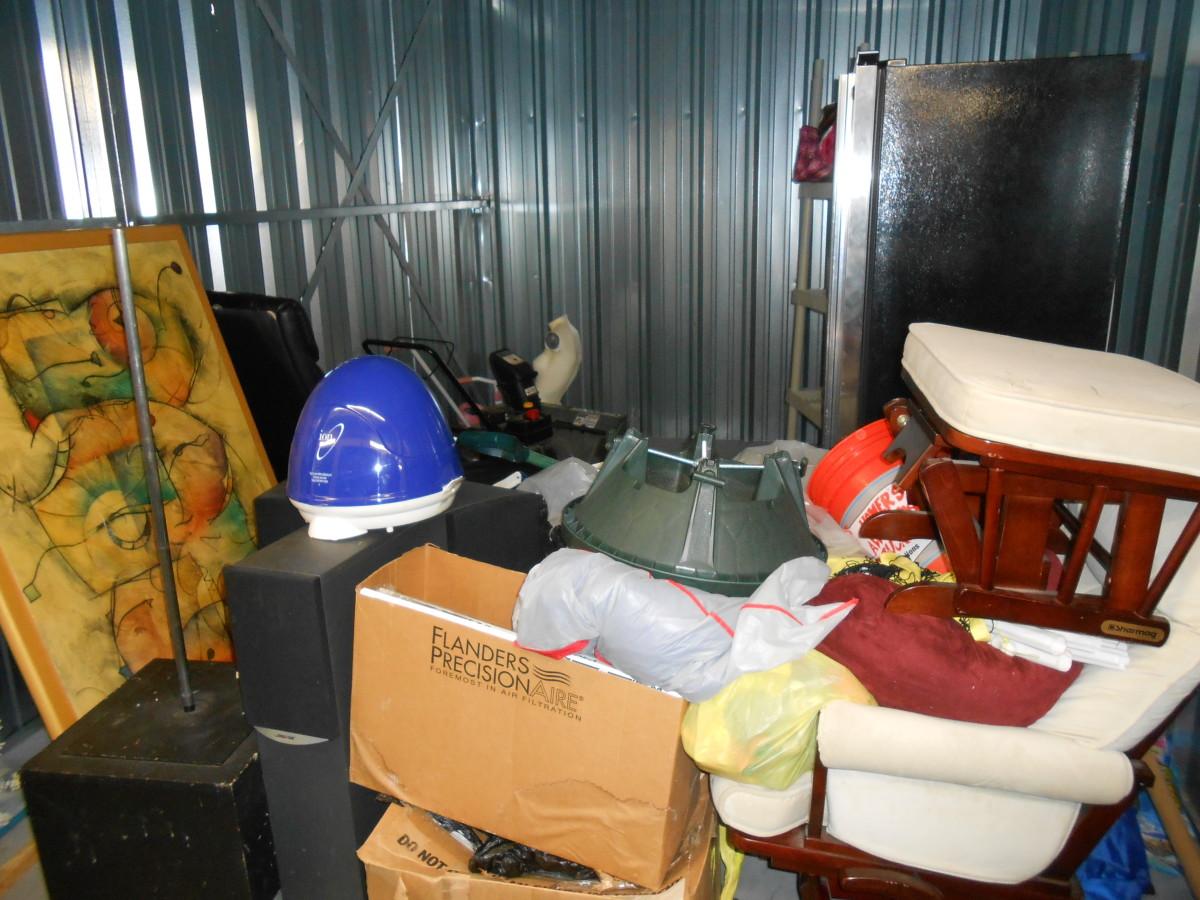 Wondrous Storage Unit Auction 679975 Edison Nj Storagetreasures Com Caraccident5 Cool Chair Designs And Ideas Caraccident5Info