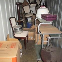 A Self Storage o - ID 684275