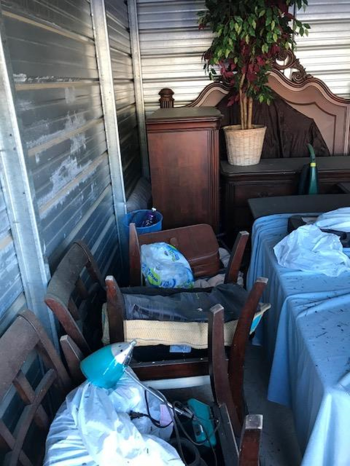 Storage Unit Auction 751811 Woodstock Ga