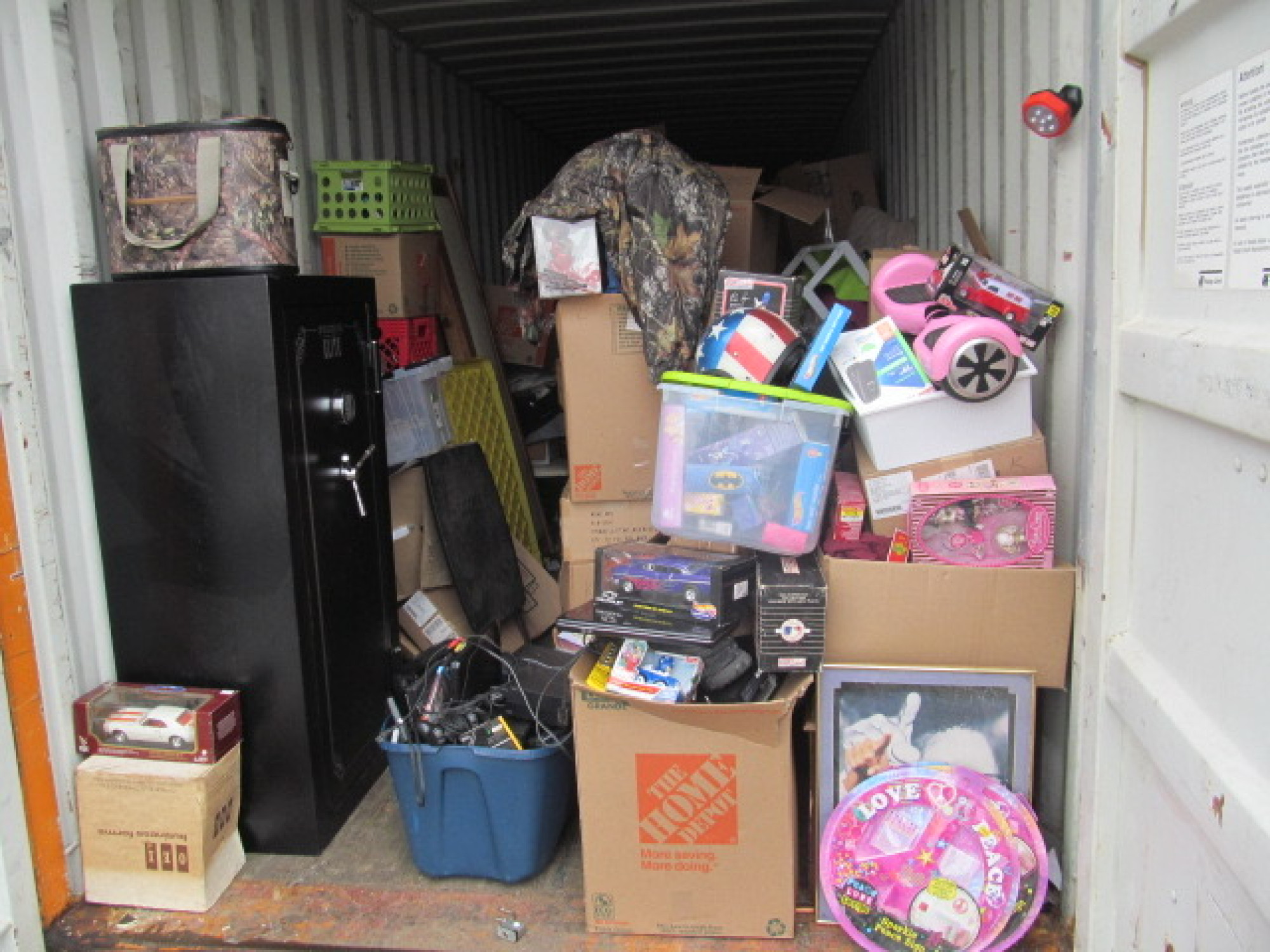 storage unit auction  780630