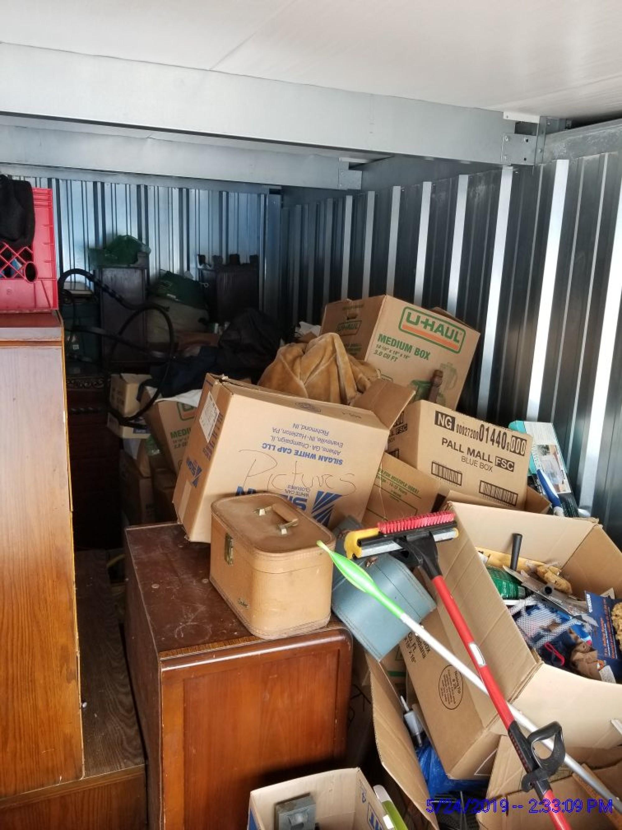 Storage Unit Auction 792005 Richmond In