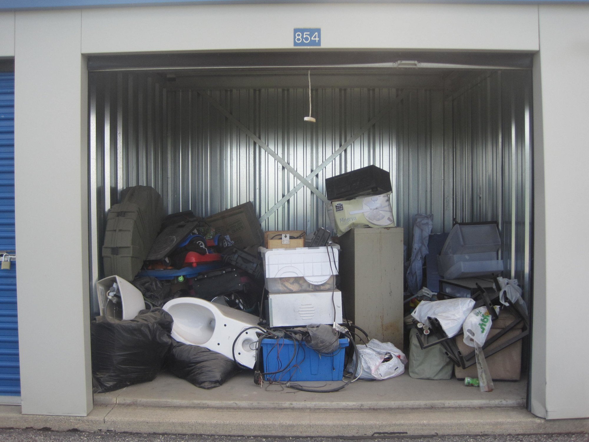 Storage Unit Auction 855023 Owatonna Mn