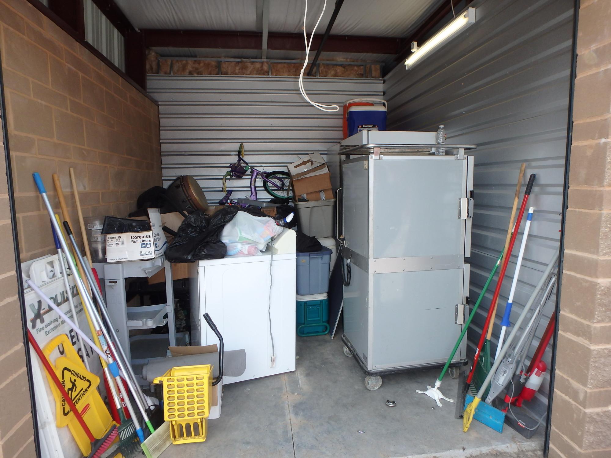 Storage Unit Auction 864474 Brooklyn Park Mn