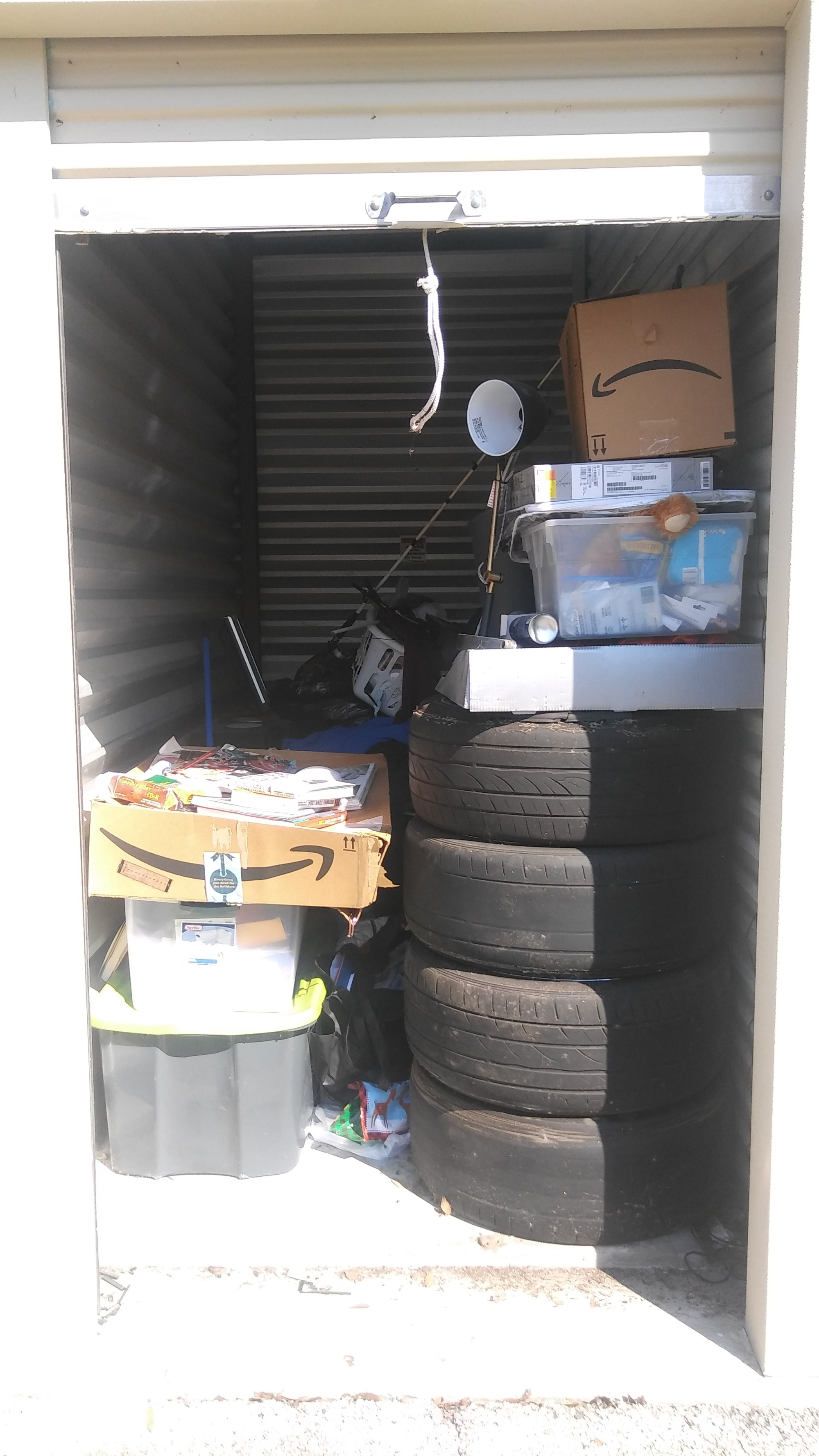 Storage Unit Auction 864879 Gainesville Fl