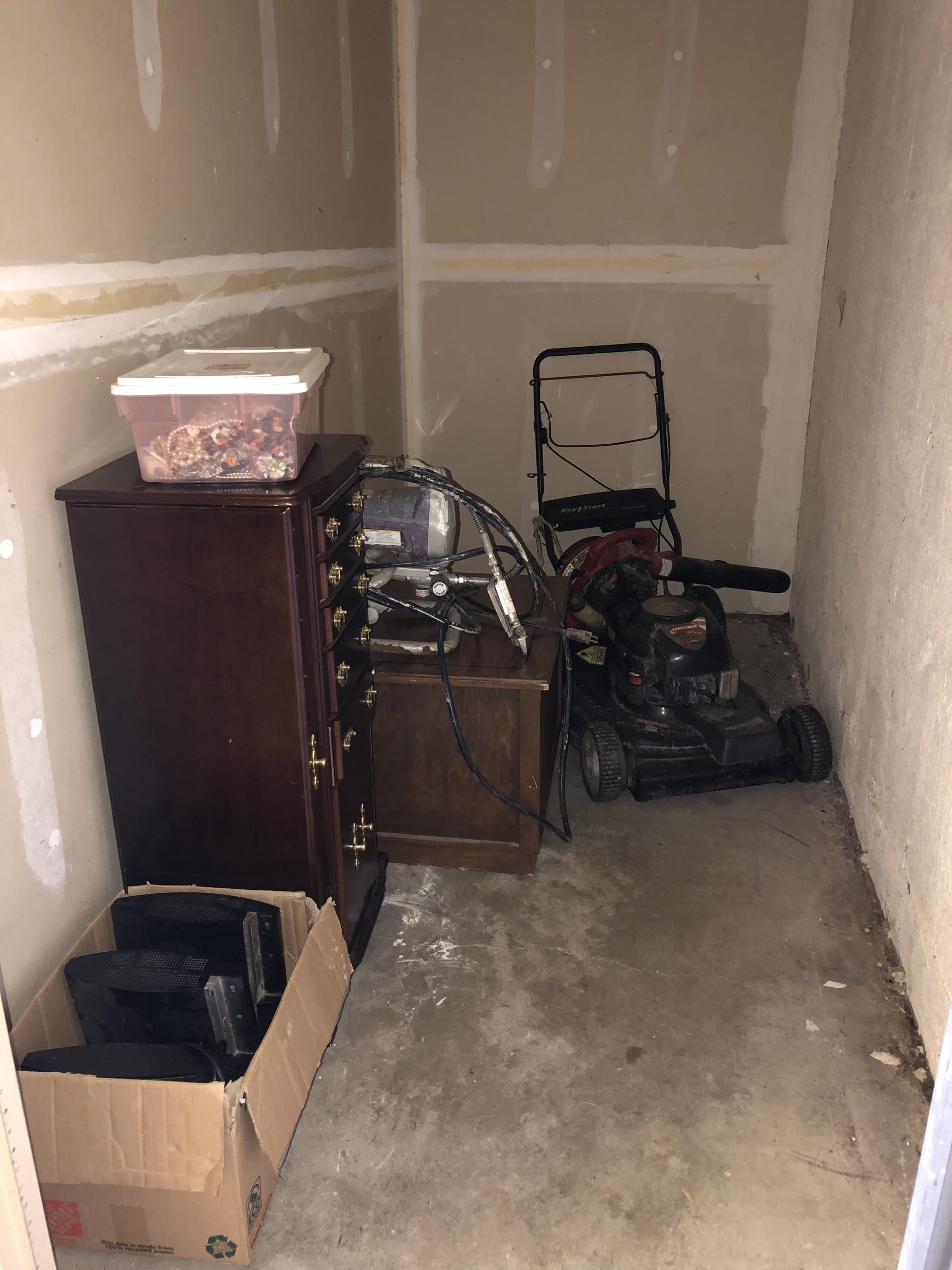 Storage Unit Auction 890578 Memphis Tn