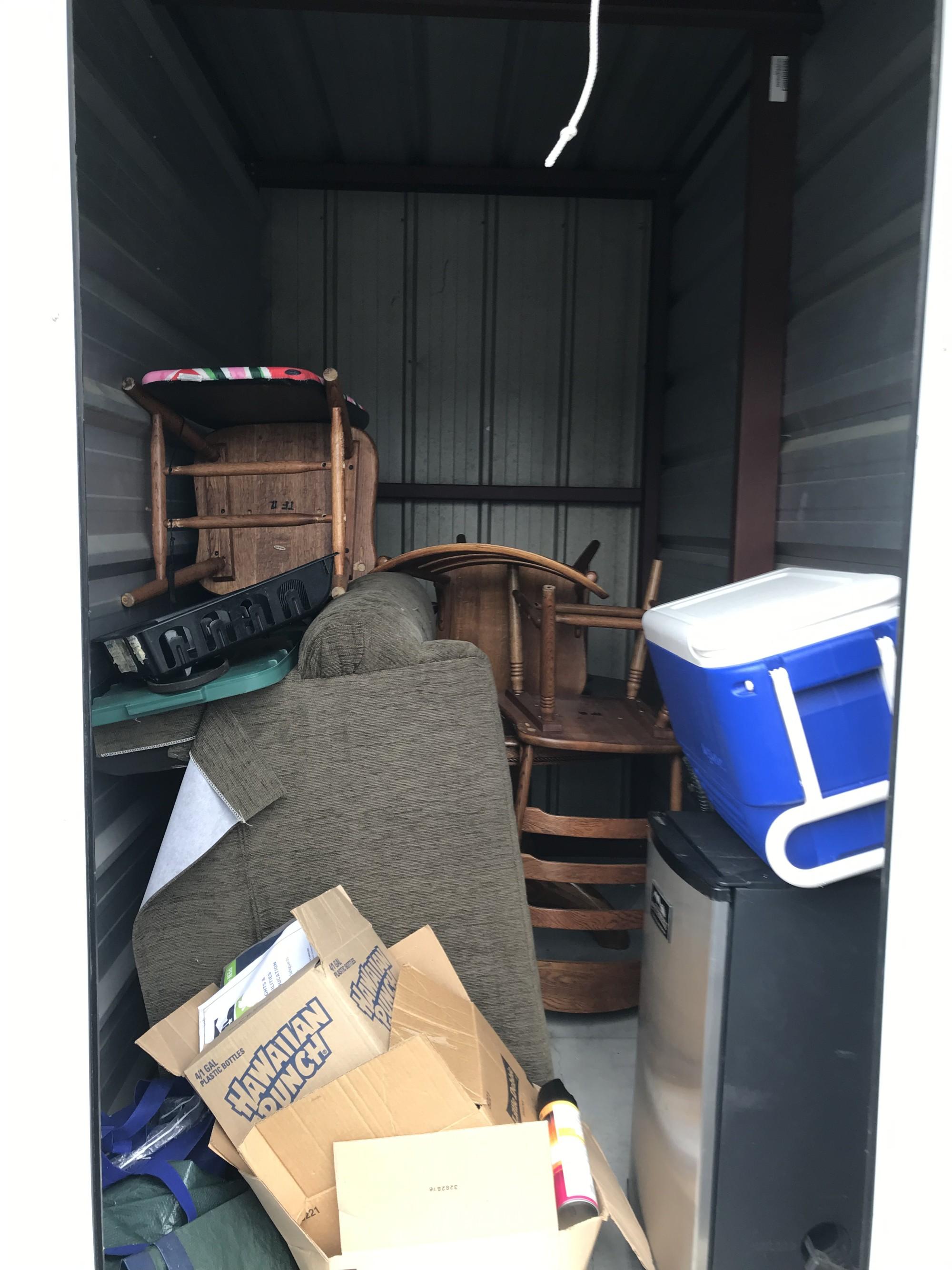 Storage Unit Auction 892568 Greenville Nc