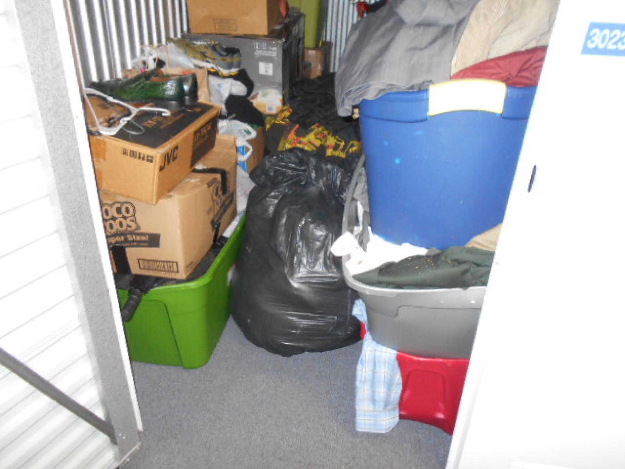 Storage Unit Auction 896037 West Bloomington Mn