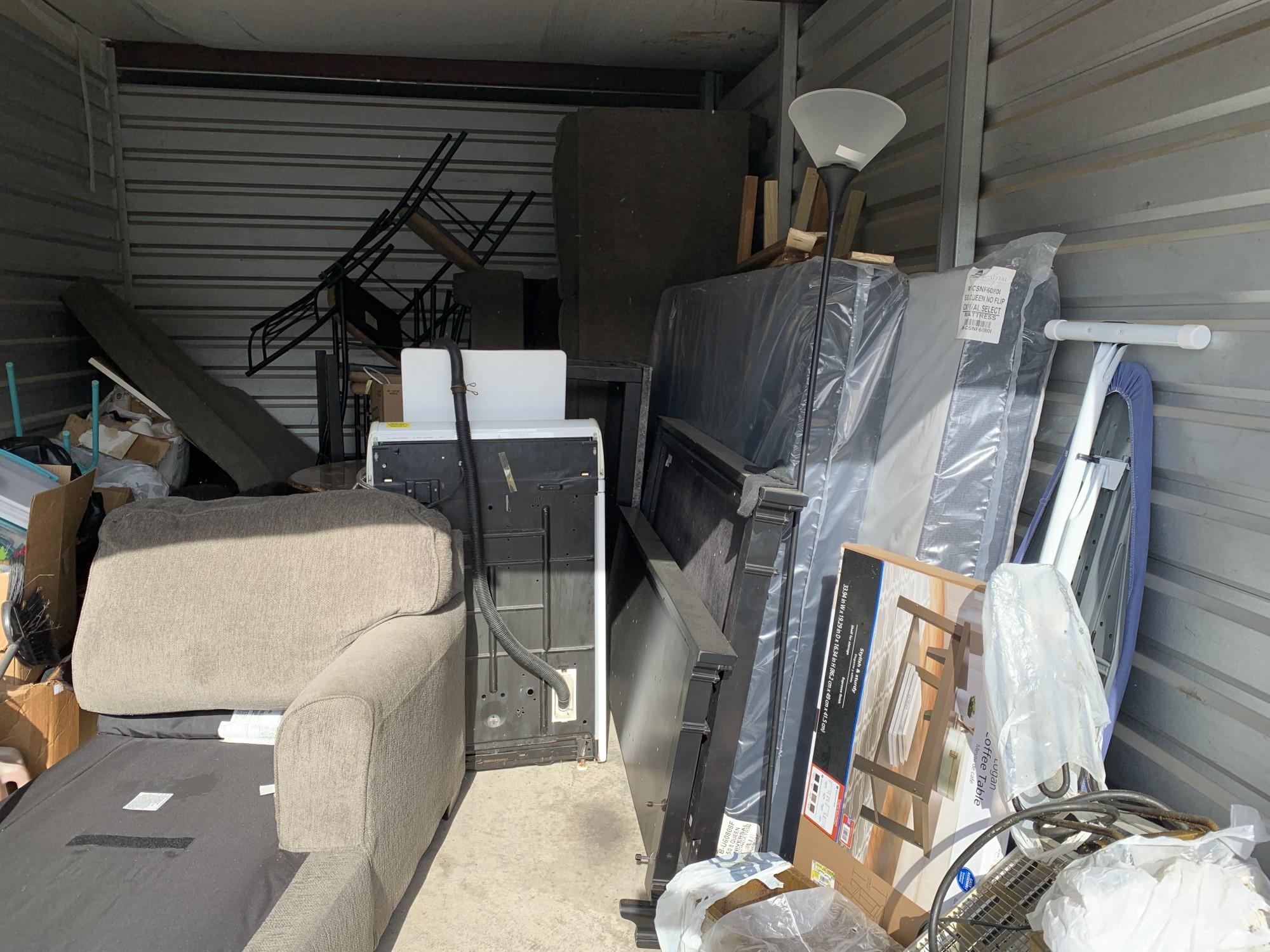 Storage Unit Auction 973924 Memphis Tn