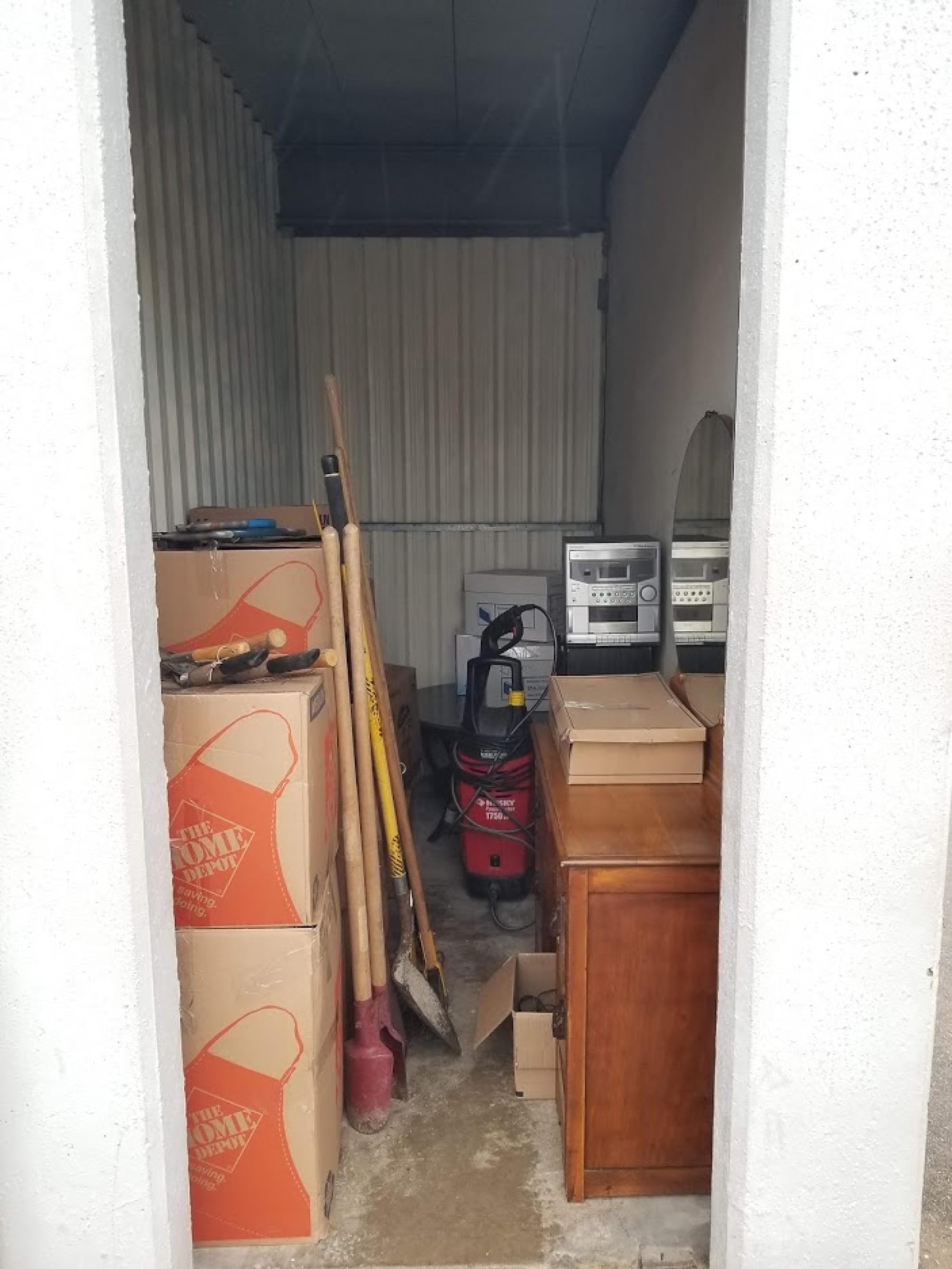 Storage Unit Auction 977852 Garland Tx