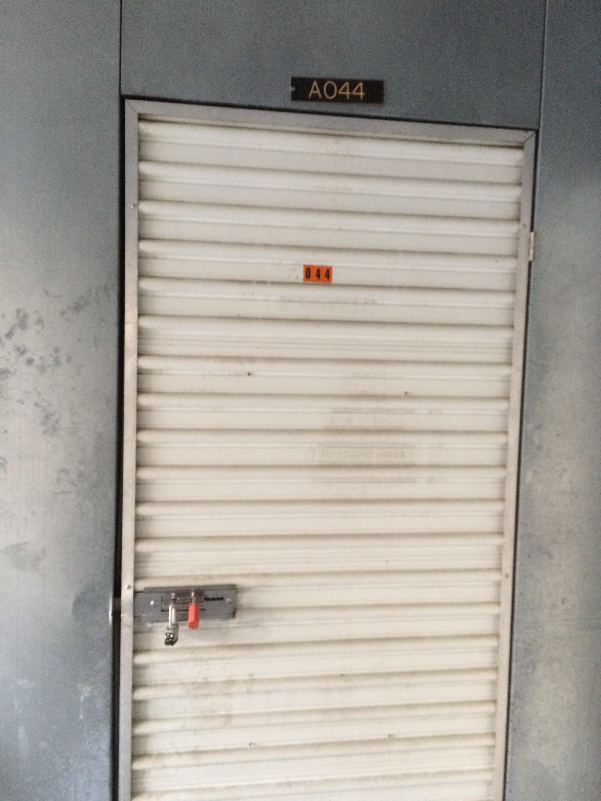 Storage Unit Auction 995914 Mays Landing Nj