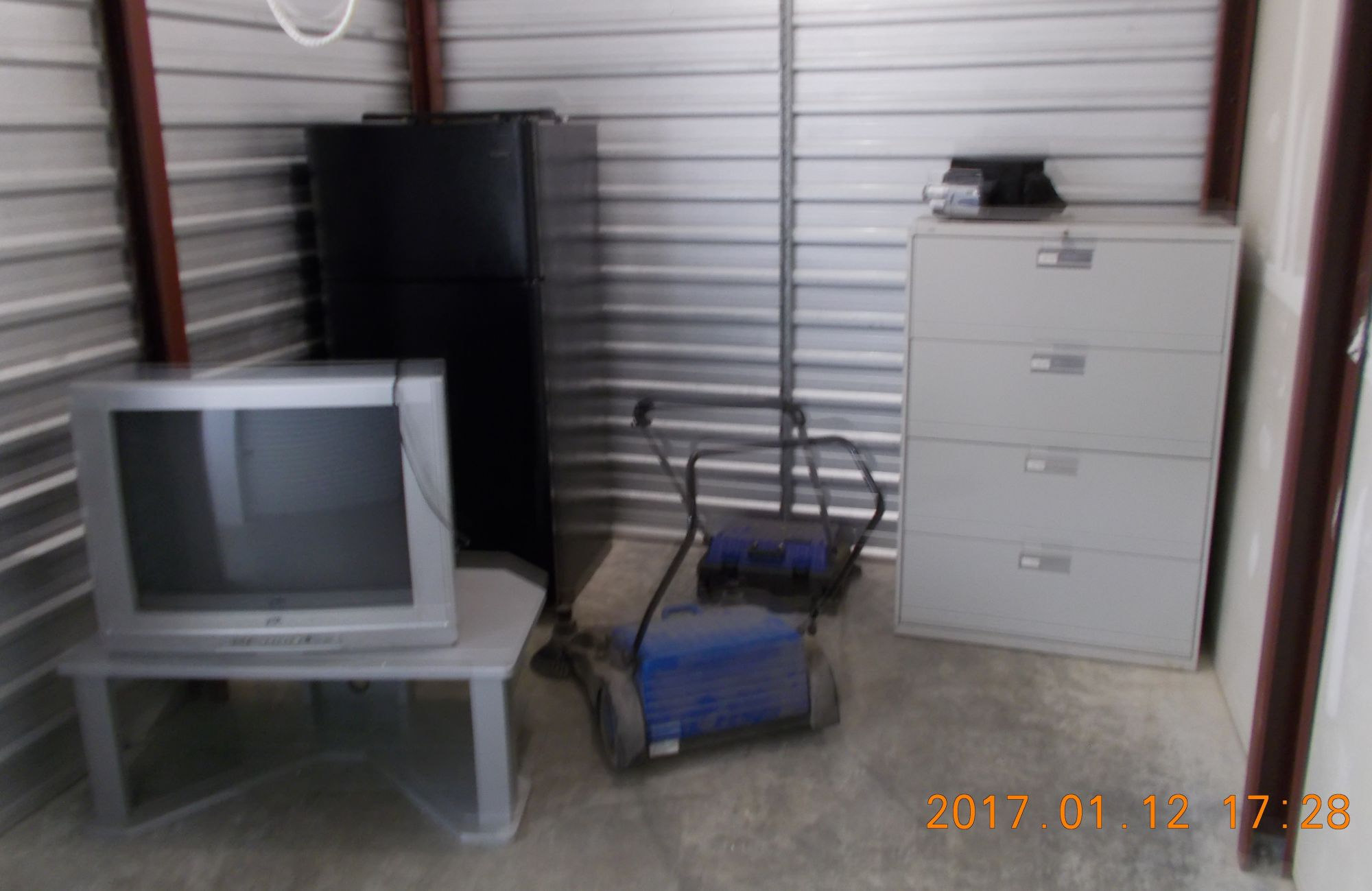 Hover or click & Storage Unit Auction: 373638 | Indianapolis IN | StorageTreasures.com