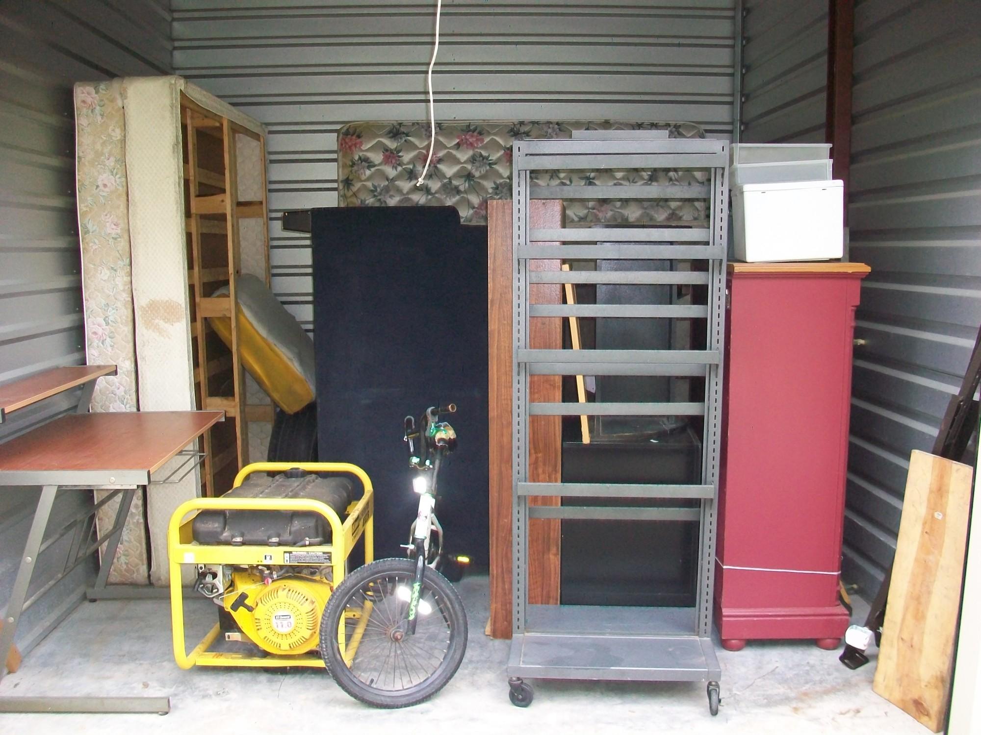 Storage Unit Auction 1041390 Reserve La