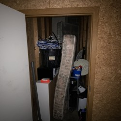 Dino's Storage- Omaha - ID 1041782