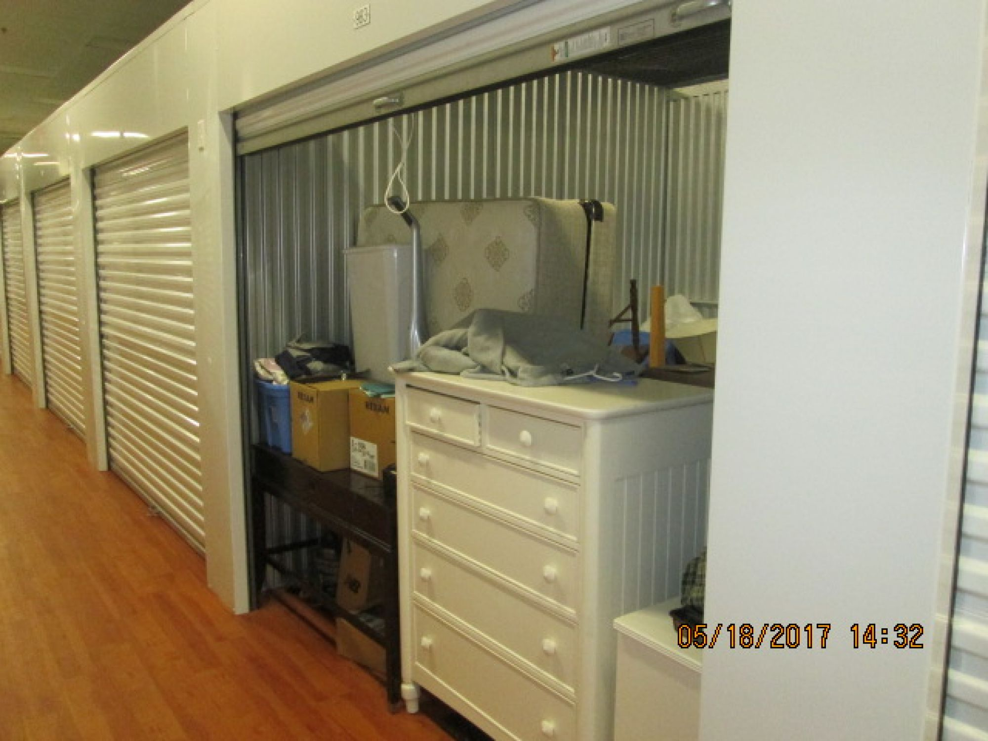storage unit auction 423615 rochester ny. Black Bedroom Furniture Sets. Home Design Ideas