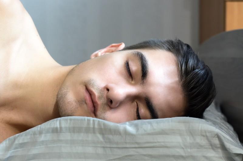 man sleep - 16 Best Ways to Maintain Weight Loss