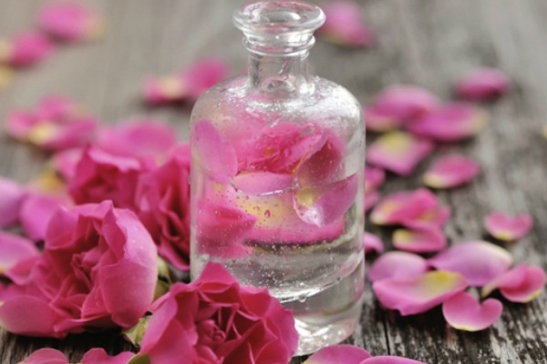 Rose Water for home remedy - Best ways to Home Remedy for Your Skin Care