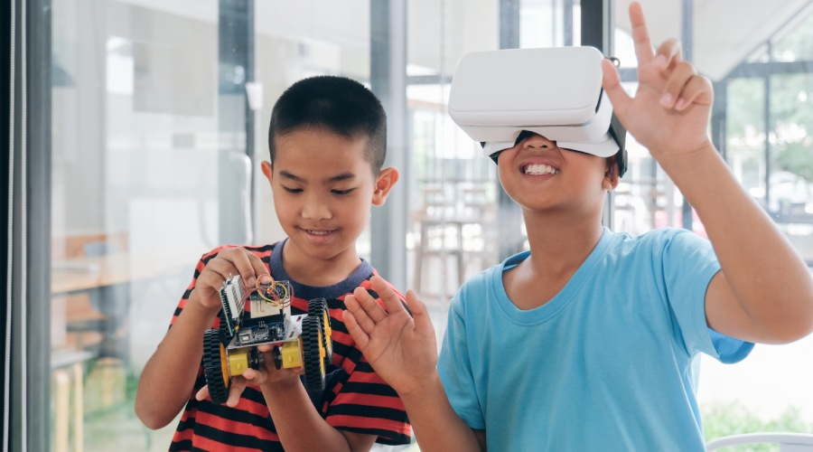 VR And AR - Top 7 Technology Trends for Future