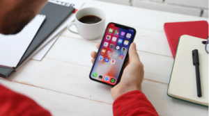 appple face id 300x167 - Apple Face ID vs Android Face Unlock