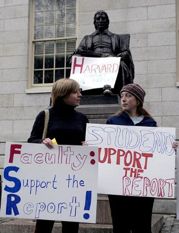 Sisters RACHEL E. TAYLOR '03 (left) and KAREN R. TAYLOR '06 (right) urge support for the Leaning Committee's recommendations on Harvard's sexual assault policy.