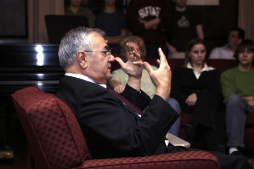 Congressman Frank at a Nov. 12 dinner discussion in Eliot House.