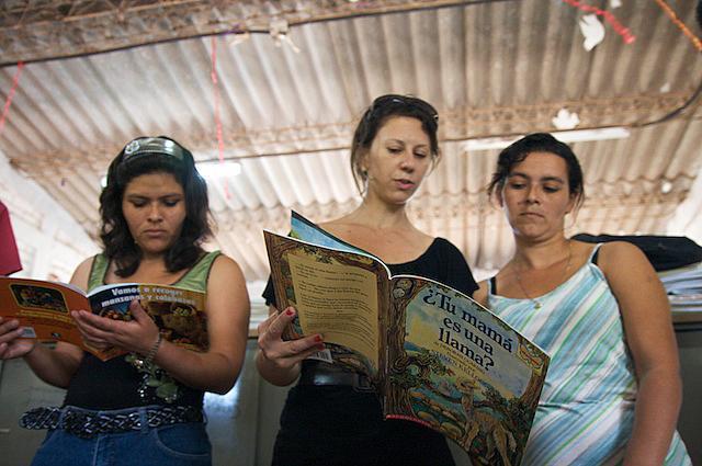 Reading in Caluco