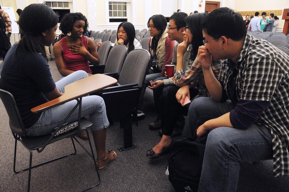 The Harvard College Association for U.S.-China Relations hosts events both in China and at Harvard for Chinese high school students.