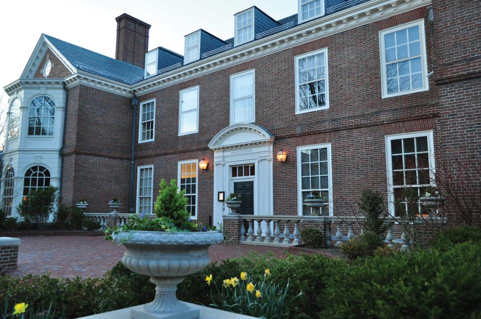 The Harvard Faculty Club closed for the second time on Tuesday, April 6, 2010, in response to a norovirus outbreak that may have infected as many as 200 people.