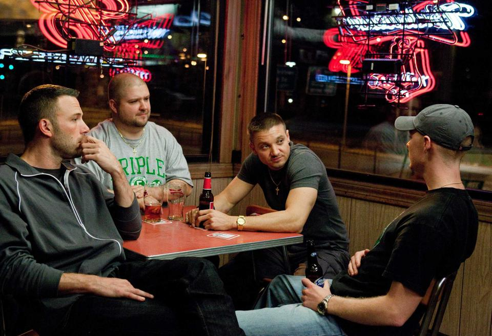 """Affleck meets with fellow criminals in """"The Town."""""""