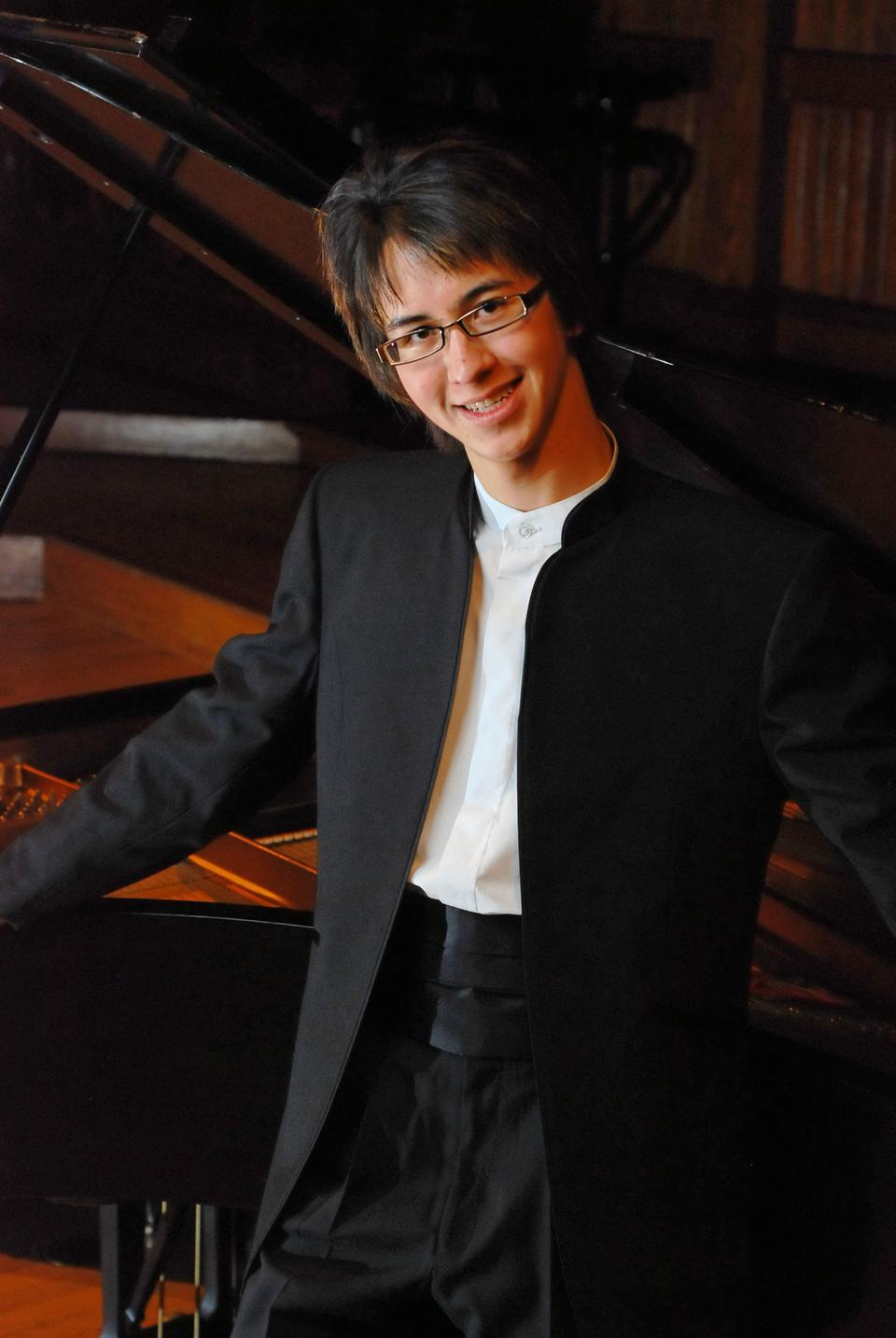 Charlie Albright, a classic pianist extraordinaire, is a senior enrolled in the Harvard/New England Conservatory of Music (NEC) Five-Year B.A./M.M Joint Program.