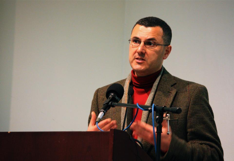 Omar Barghouti speaks on the global stuggle for the rights of people in Palestine yesterday. The talk was followed by a moderated question-and-answer discussion with Dr. Alice Rothchild of the Harvard Medical School.