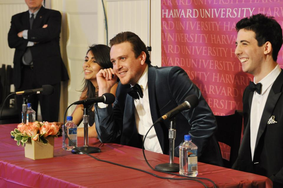 Jason Segel entertains the audience with his characteristic humor during a press conference following the ceremony last night.