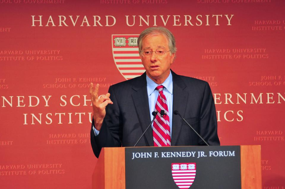 Ambassador Dennis Ross advocates for a two-state solution to the Israeli-Palestine conflict at the IOP on Friday. Ross discussed his binary solution for the peace negotiations and built upon the innovative idea of the Harvard Israel Conference's Peace Challenge winner.