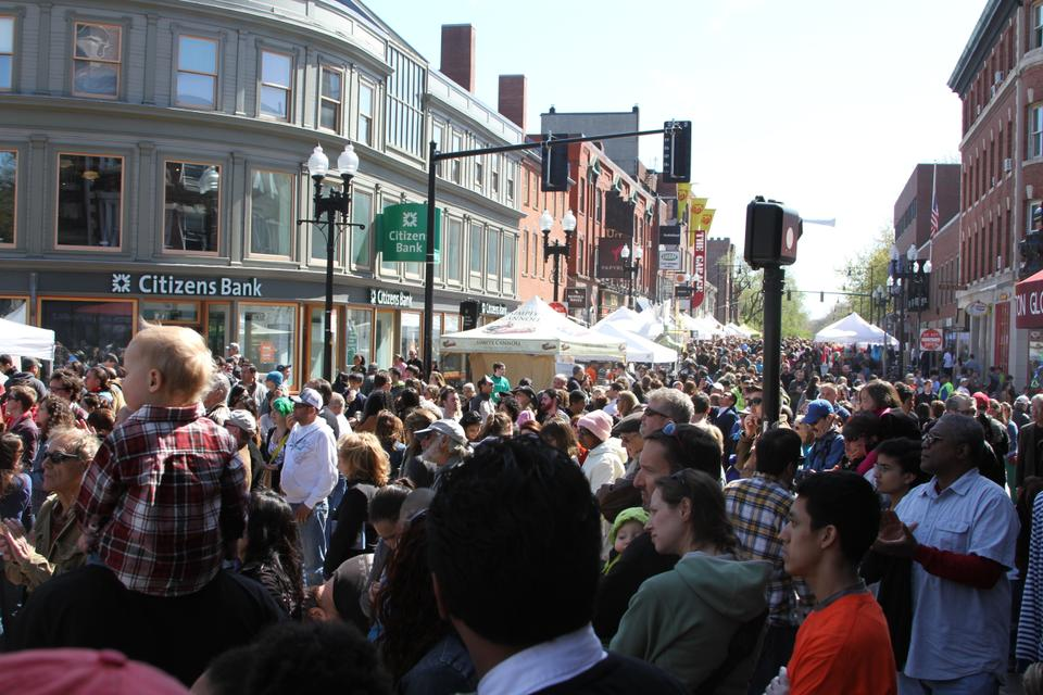Mayfair is an annual festival in Cambridge, where local vendors and artists line the streets of Harvard Square show their stuff. This year's event, on May 5th, boasted large crowds, chalk masterpieces, and performances from groups like Mariachi Veritas.