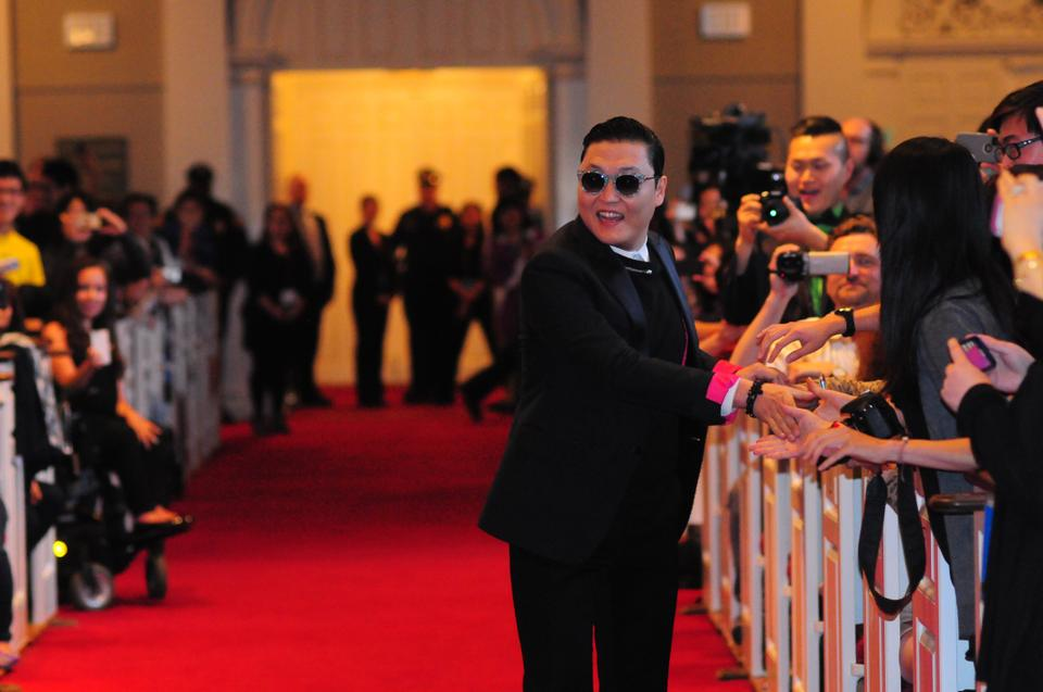 Korean pop star, Psy, visits Harvard on Thursday night.  The singer, famous for his YouTube hit Gangnam Style which has over one billion views, spoke about his worldwide rise to fame, and his future goals for his career.  He entertainted the audience with occasional dance moves and humorous stories.
