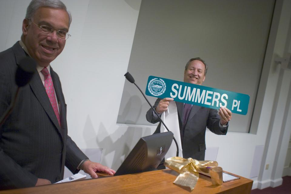 Former University President Lawrence H. Summers meets with Boston Mayor Thomas M. Menino in 2006 for Summers's last appearance in Allston before leaving his position as president.