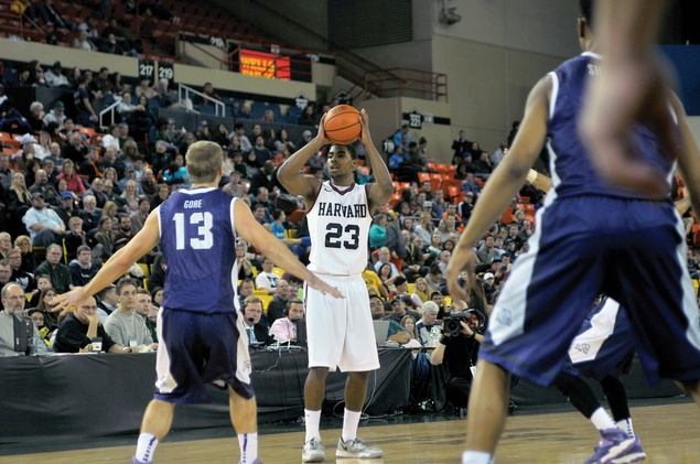 In his first game back after missing the previous two to injury, junior guard Wesley Saunders, shown here in previous action, converted only three of his 14 attempts from the field at Florida Atlantic on Tuesday night.