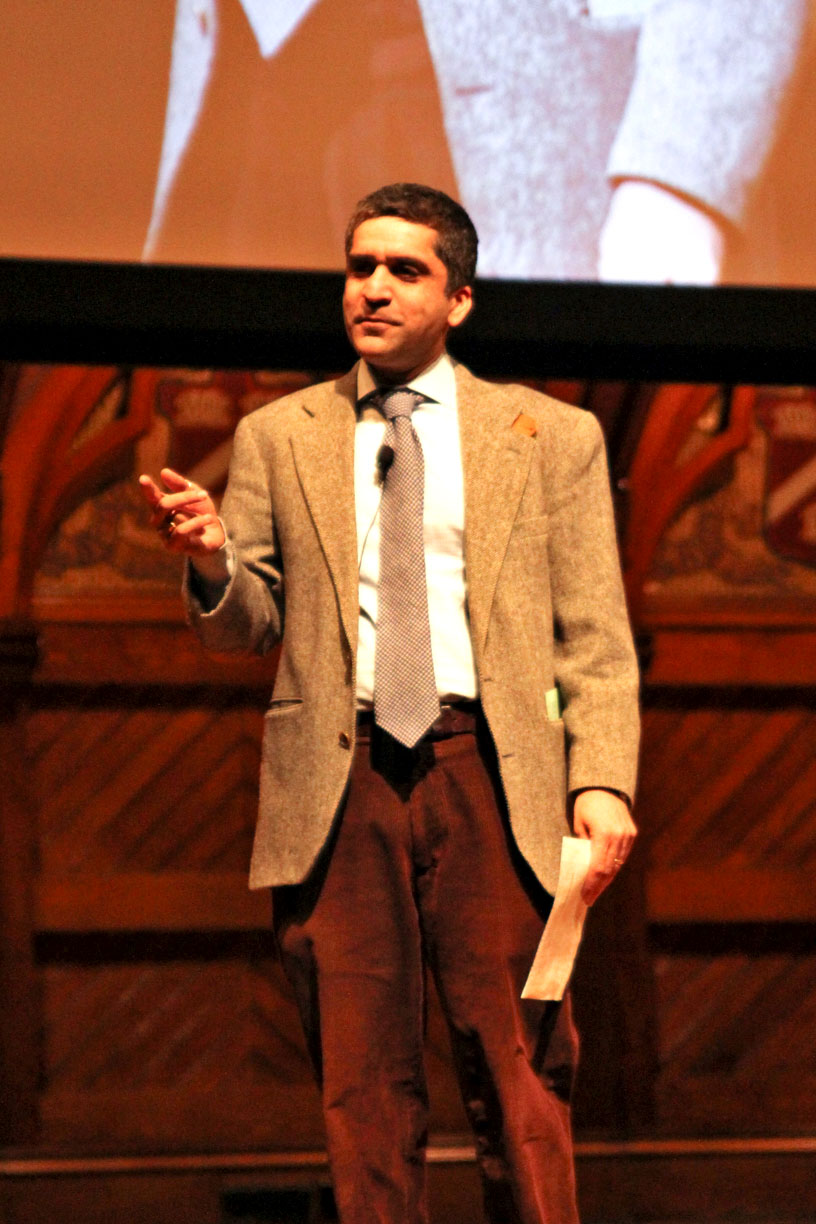"""Dean of the College Rakesh Khurana leads """"ReFRESHMENt,"""" an event for the Class of 2018 on Sunday evening in Sanders Theatre."""