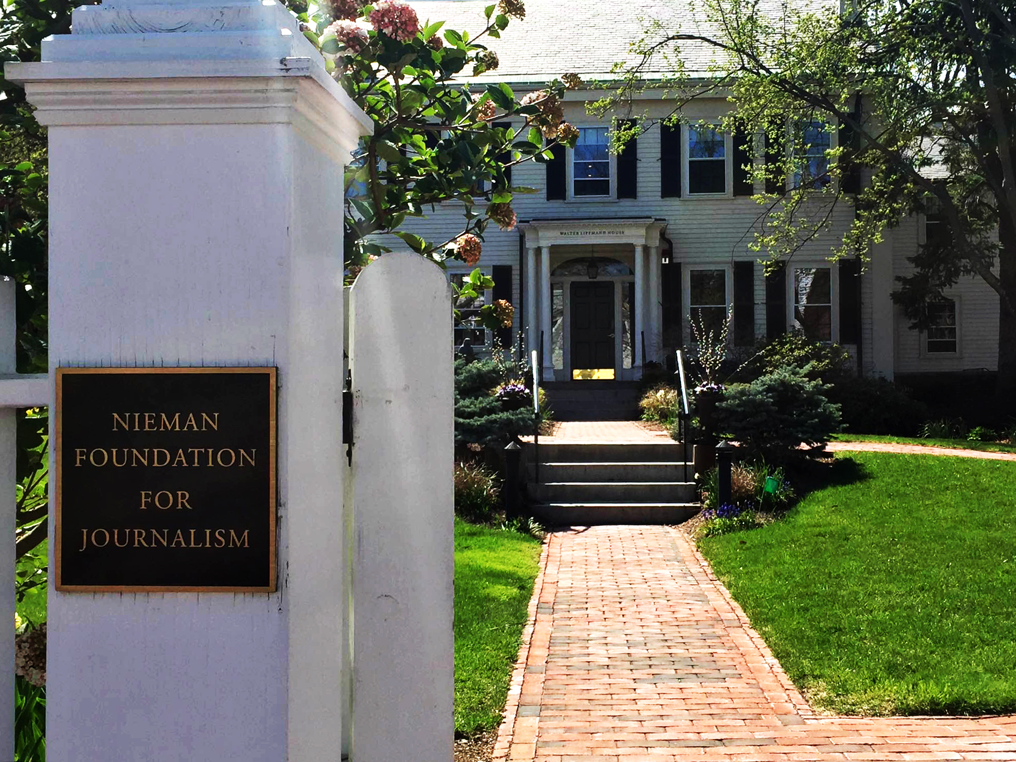 The Nieman Foundation announced on Tuesday that 24 journalists, ranging from reporters, filmmakers, and news executives, have been admitted to the Nieman Fellows' class of 2017.