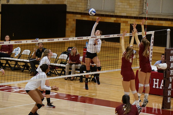 Women's Volleyball Earns First Ivy League Victory Of ...