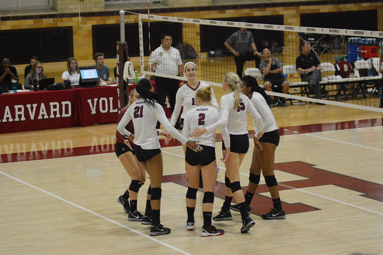 Women's Volleyball Completes Three Team Sweep at New ...