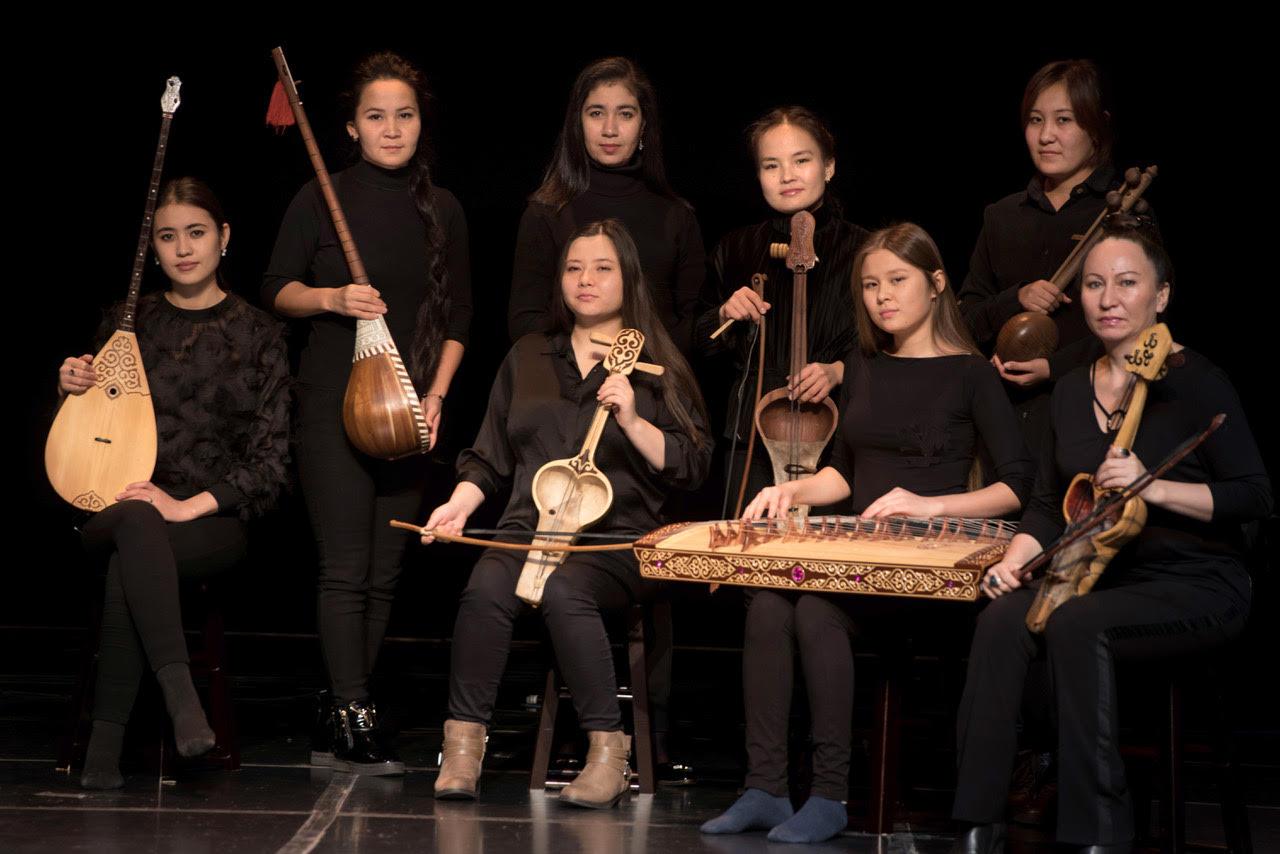Qyrq Qyz performs 'Bardic Divas'
