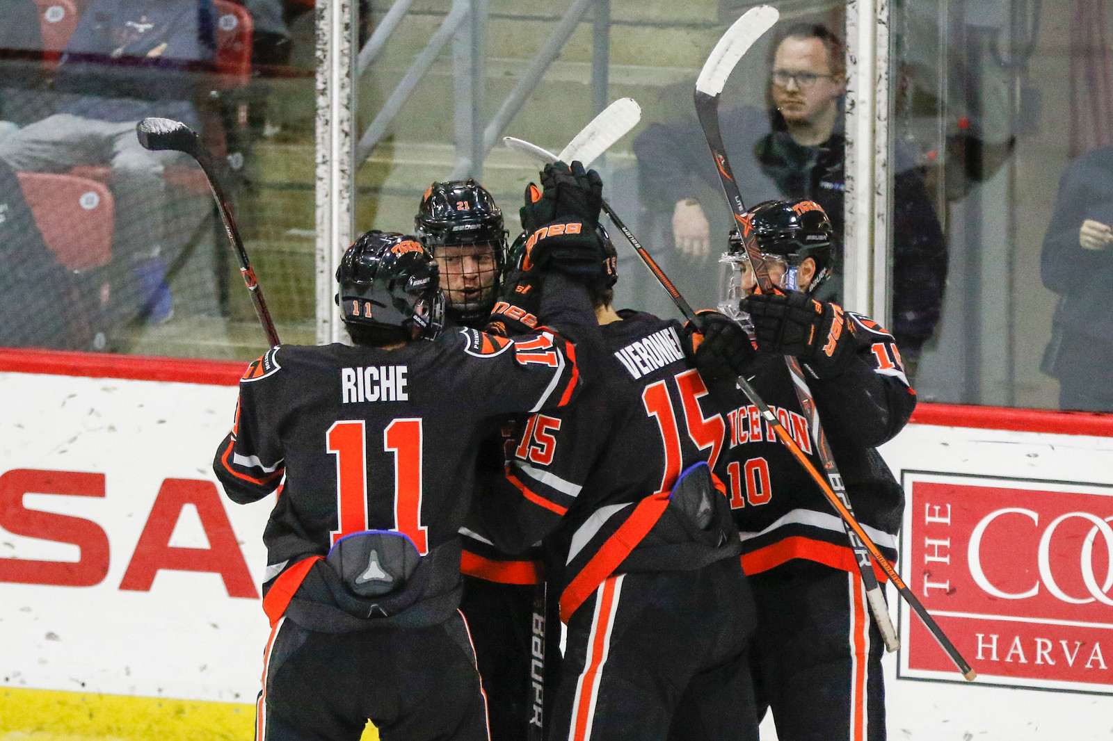 The Tigers' go-ahead goal early in the third period sealed the victory for the home team.