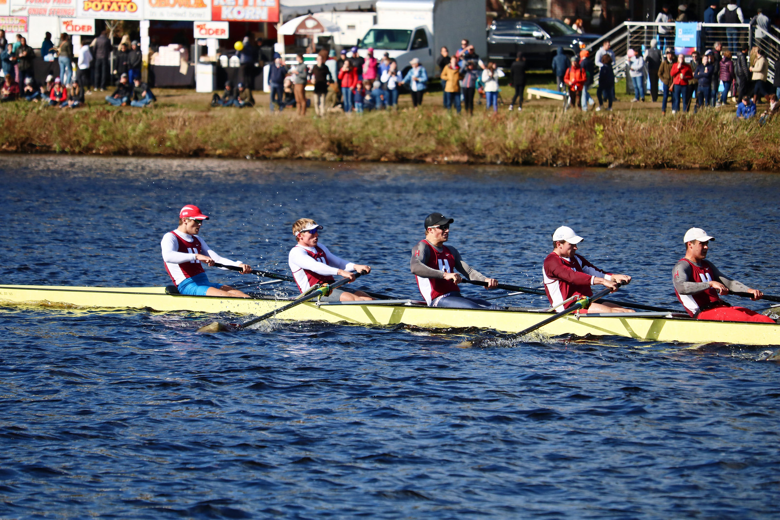Men's and Women's Crew Finished Towards the Top of Multiple Races this Weekend
