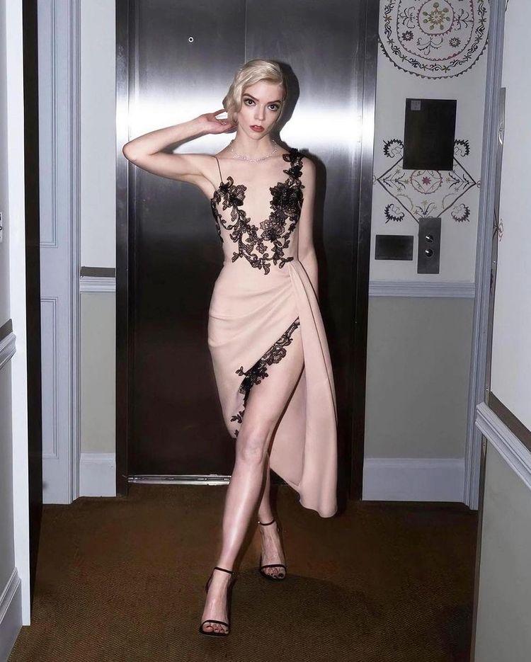 Anya Taylor-Joy dressed for the 27th SAG Awards.