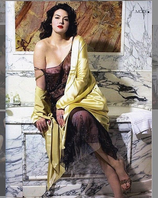 French Plus SIze Model Johanna Dray