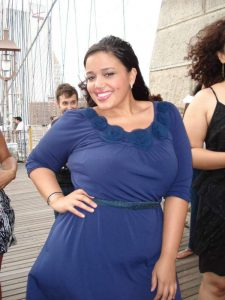 Gabi from YFF holds her last MTVTJ challenge at the Brooklyn Bridge