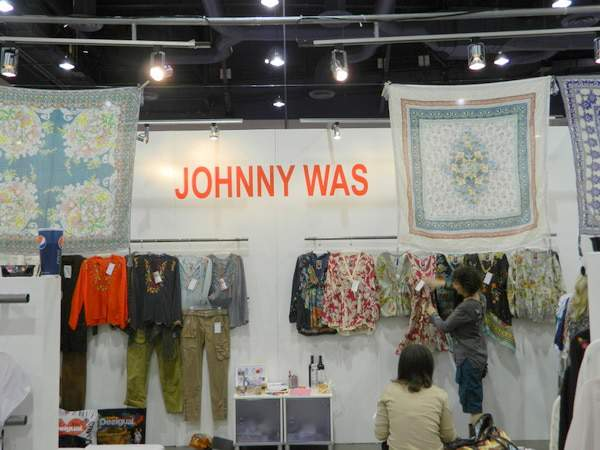Johnny Was extends its Collection to Plus Sizes