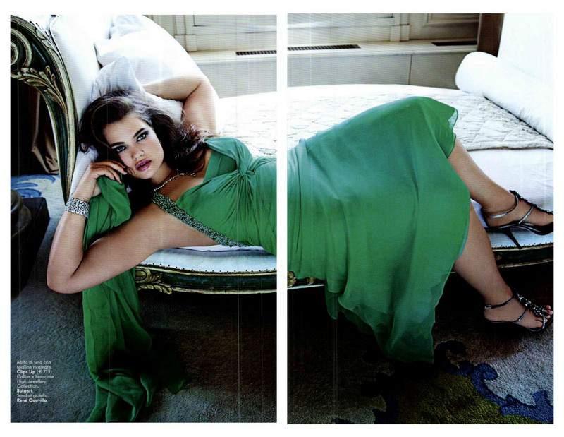 May 2012 Italian Vanity Fair featuring Tara Lynn