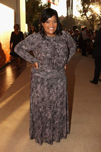 Interview with Yvette Nicole Brown on The Curvy Fashionista