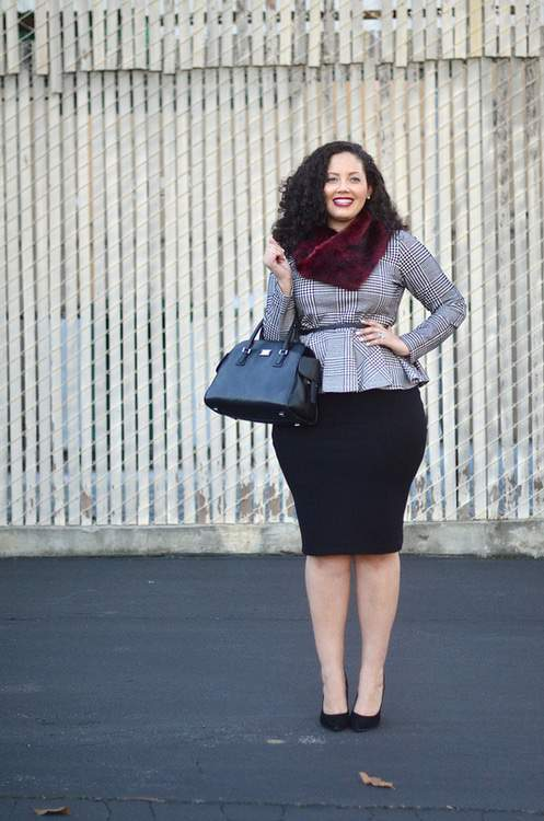 Plus Size Blogger Girl With Curves